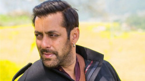 Video : Salman Khan Spotted At Whistling Woods In Film City