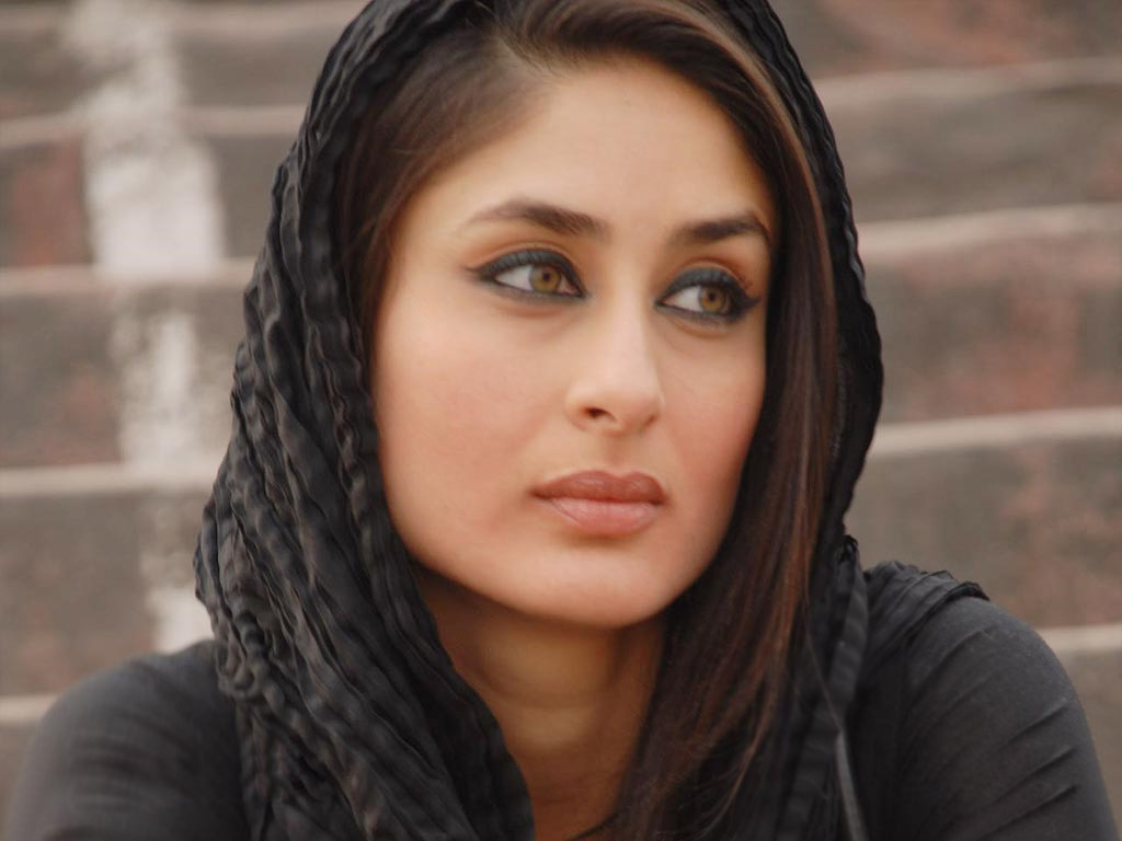 Kareena Kapoor Down With Infection