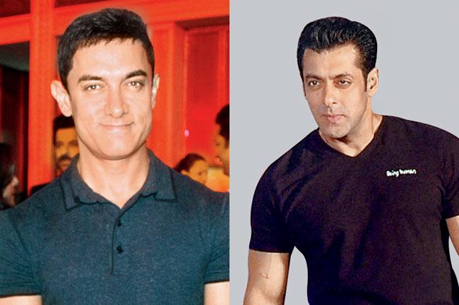 Salman Khan Vs Aamir Khan At an Award Function