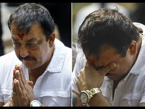 Sanjay Dutt Breaks Down in front of Media - Will not File Petition for Mercy