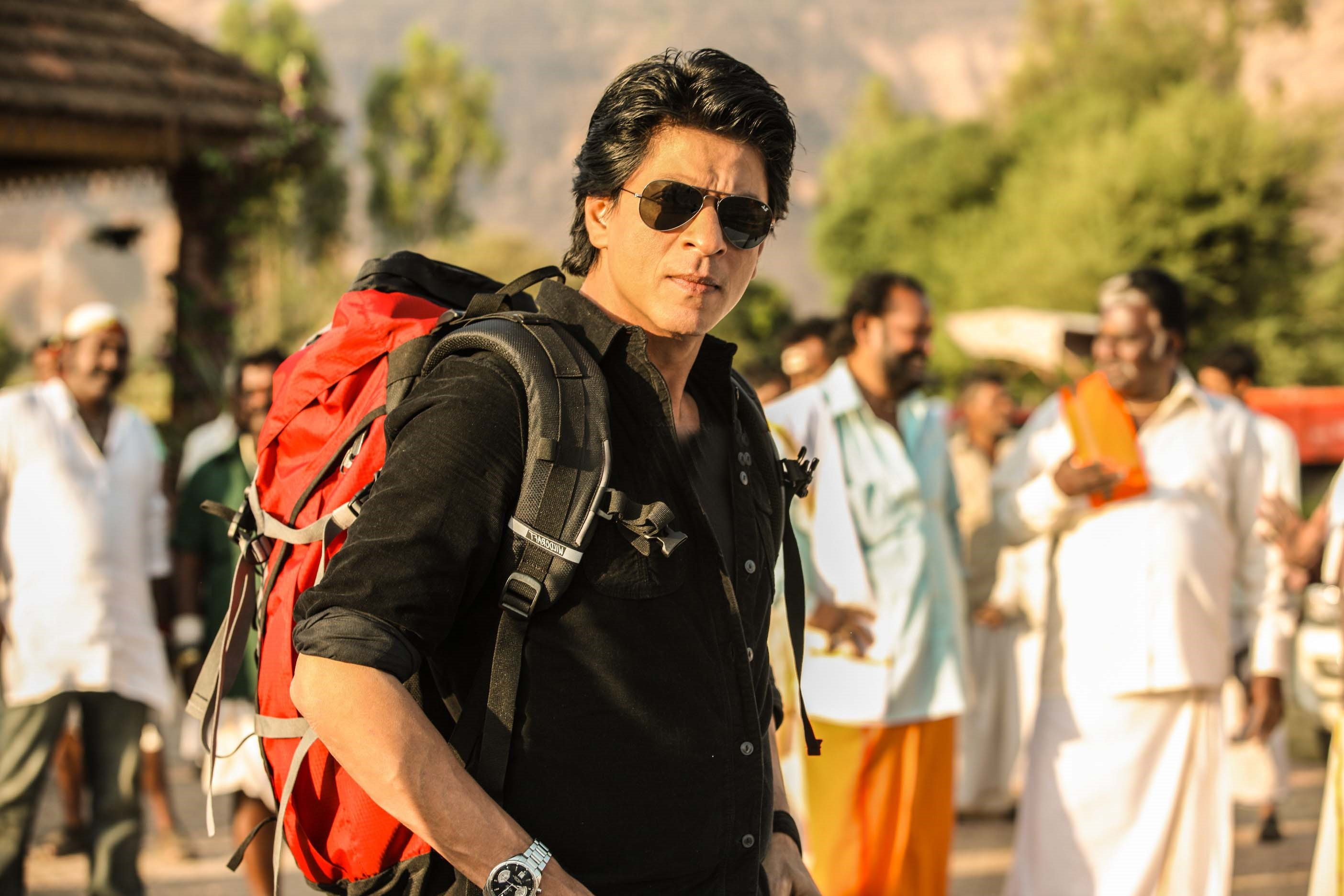 Shahrukh Khan Shifts Bag And Baggage to Wai | Bollywood Bubble