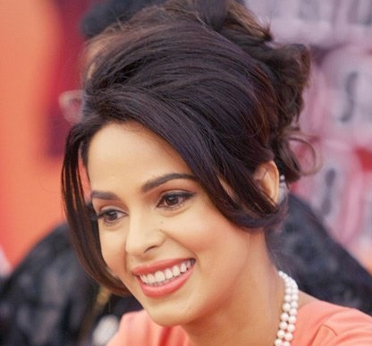 Malaika Sherawat wants to do Performance Oriented Roles