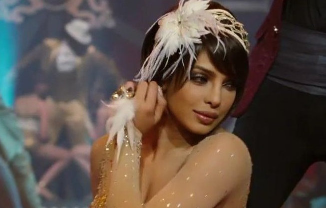 Priyanka Chopra's Hot Performance Video From MTV Music Awards