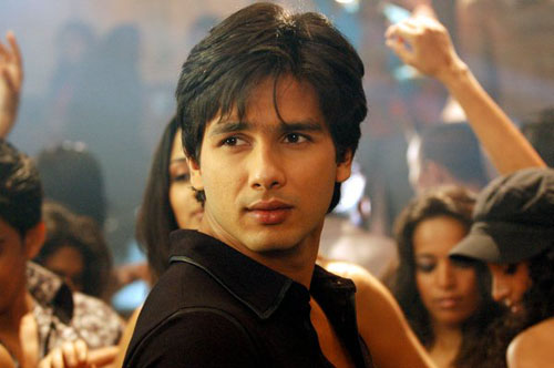 Shahid Kapoor Keeps a Date With Friendship