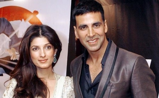 Akshay Kumar Hosts Kaun Banega Crorepati For Wife Twinkle