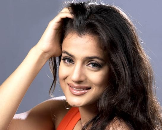Ameesha Patel Back With a Bang