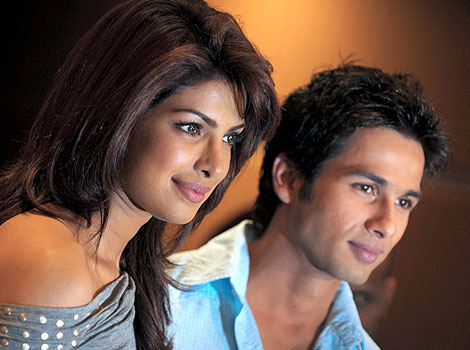 Shahid Kapoor : Its very tricky to be friends with your Ex