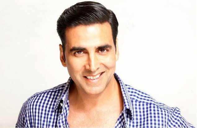 When Akshay Kumar Cooked For Stall Owners