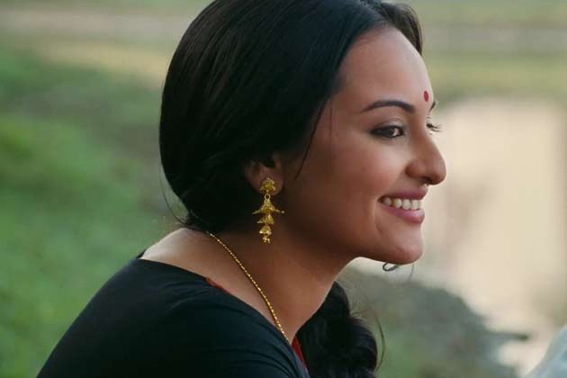 Sonakshi Sinha, Sonu Sood stood in dirty water for eight hours