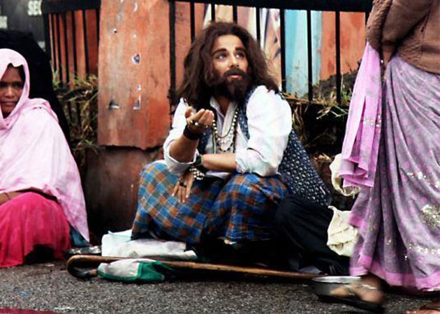 Guess which actress was caught begging outside Hyderabad Station?