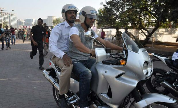 Akshay Kumar - Salman Khan's new mode of transport