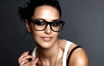 Neha Dhupia Twitter face of WIFW AW 2014