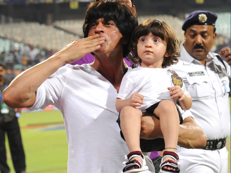 Shah Rukh Khan's son AbRam at IPL 7 with family?