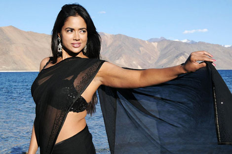 Just married Sameera Reddy has no plans to join films soon