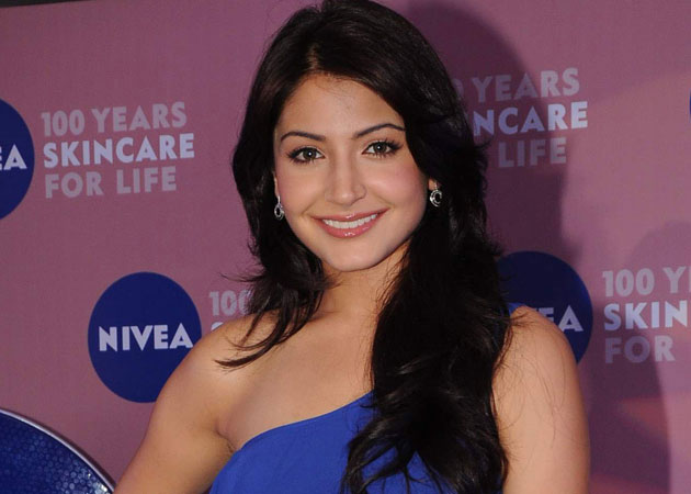 Anushka Sharma tweets for a ban on horse-drawn carriages