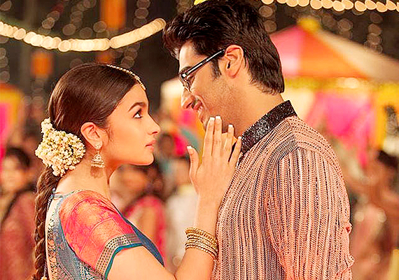 Arjun Kapoor joins 100 crore club with '2 States'