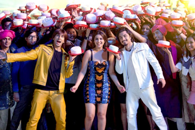 OMG!  600 cakes for 'Kill Dil' song