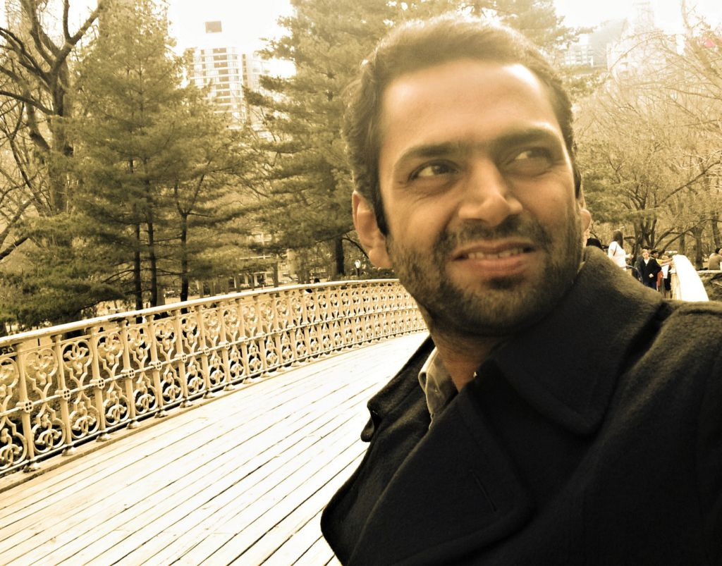OMG - Sharib Hashmi sold wife's jewellery to pursue acting
