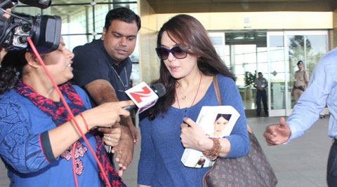 Preity Zinta returns to India, refuses to comment on Ness Wadia