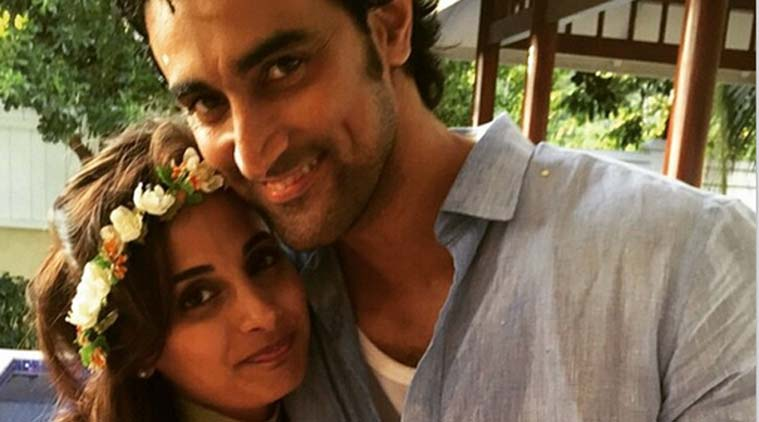 First picture of the newly weds Kunal Kapoor & Naina