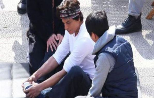 'Ouch time' for injured Shah Rukh Khan