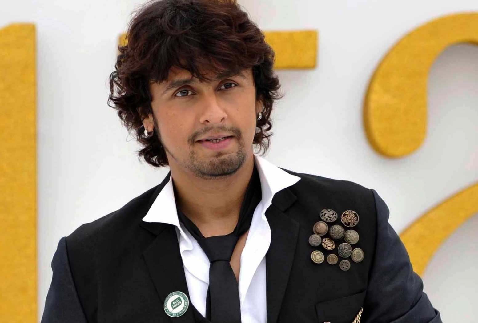Zee Network bans Sonu Nigam for supporting Aam Aadmi Party