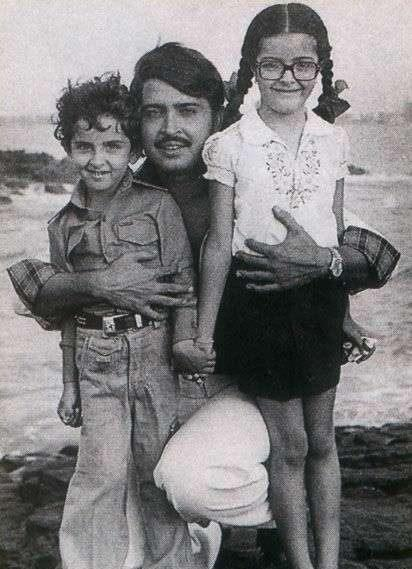 Hrithik Roshan with Rakesh Roshan and Sunaina Roshan