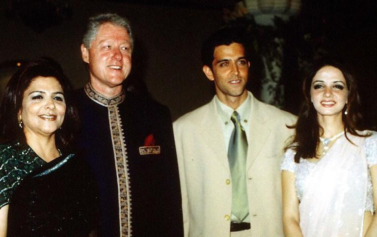Hrithik Roshan, Sussanne Roshan, Pinky Roshan and Bill Clinton