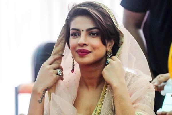 Priyanka Chopra shoots 'Bajirao Mastani' song, feels blissful