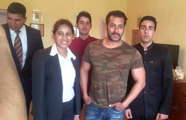 Clicked: Salman Khan with fans in Kashmir