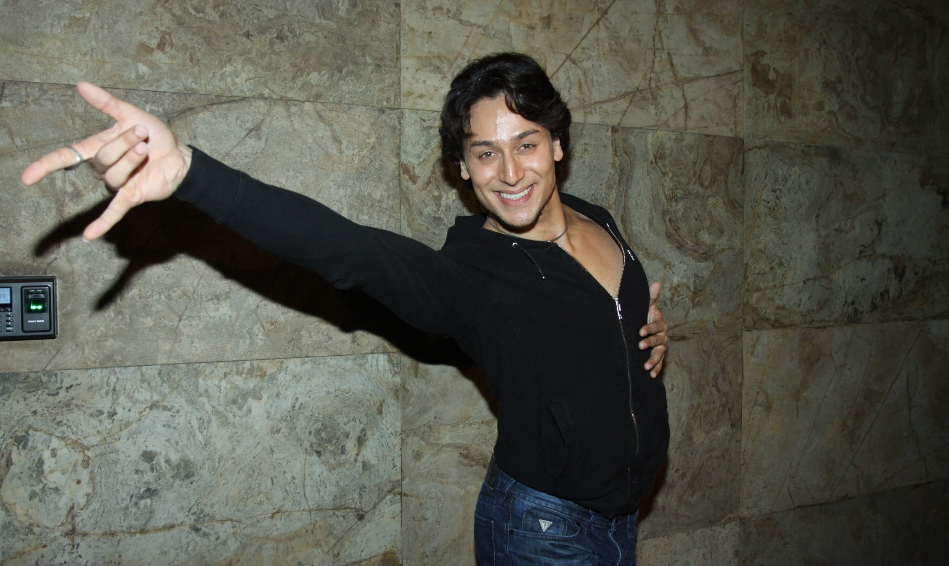 Tiger Shroff travels 5 hours to learn new dance steps