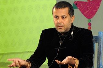 Chetan Bhagat : Won't change my writing style for Bollywood