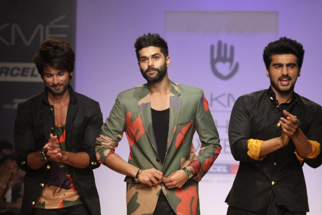 Shahid Kapoor uncomfortable with Arjun Kapoor's presence at an event