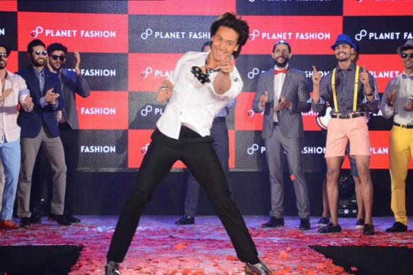 Tiger Shroff's breathtaking moves at a fashion show