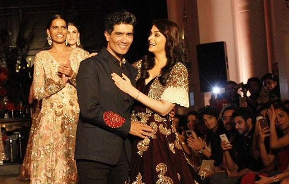 Aishwarya Rai Bachchan turns showstopper for Manish Malhotra