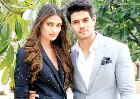Watch - Behind the scene camaraderie between Sooraj Pancholi & Athiya Shetty