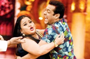 Watch -  Salman Khan having too much fun on 'Comedy Nights Bachao'