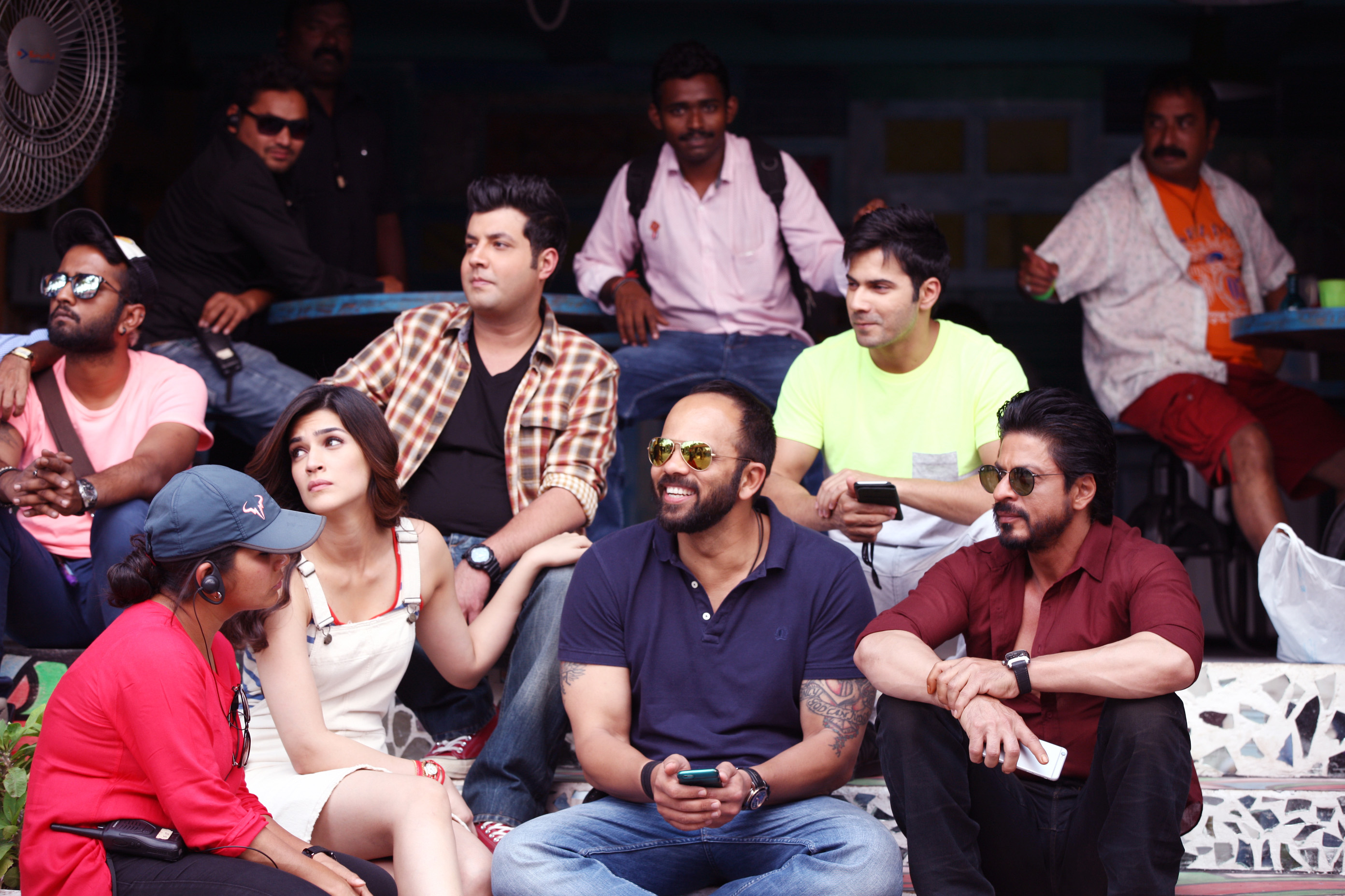 Check out - 'Dilwale' Hyderabad On-location images