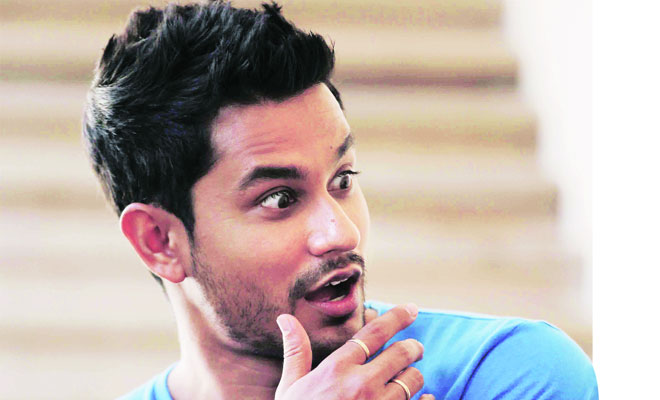 OMG - Kunal Khemu lands himself in a big trouble