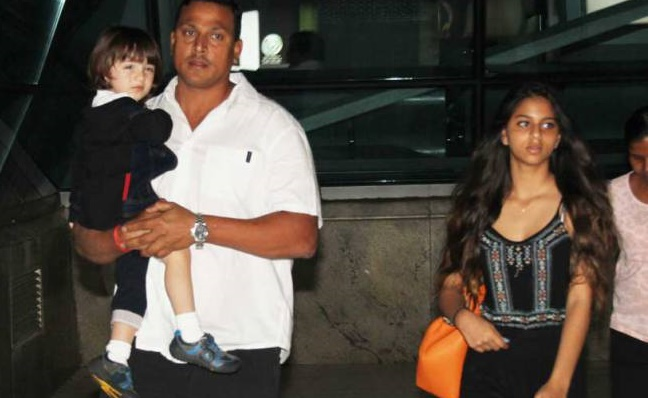 Spotted - Shah Rukh Khan's children AbRam & Suhana at airport