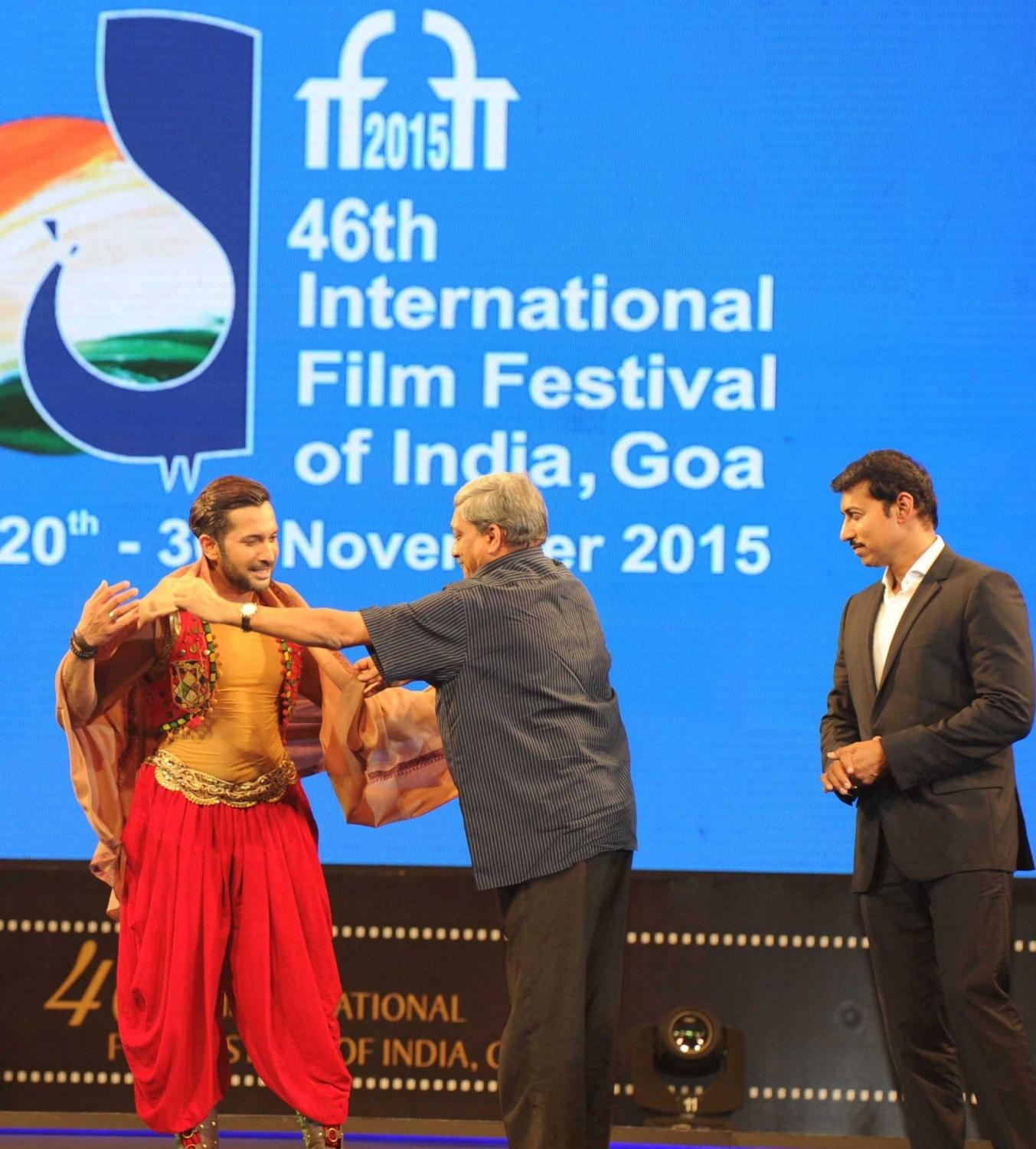 Union Minister for Defence Manohar Parrikar , Terence Lewis, Minister of State for Information and Broadcasting, Col. Rajyavardhan Singh Rathore.