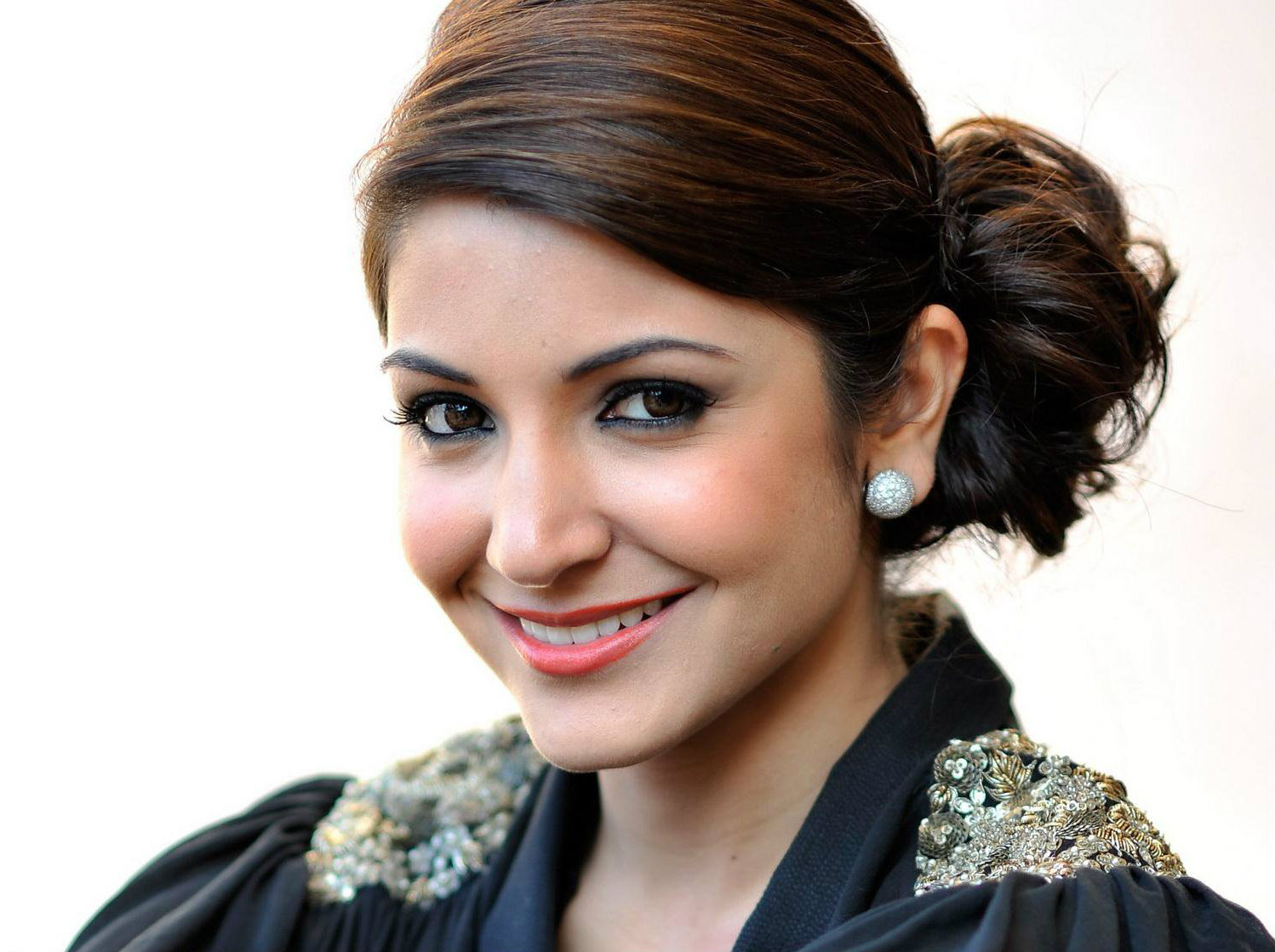Anushka Sharma to don the hat of a Producer once again