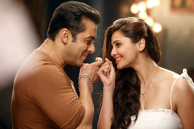 Daisy Shah's New Year Plan revealed and it includes Salman Khan!