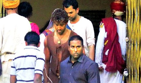 Check Out : Hrithik Roshan's rustic look in 'Mohenjo Daro'