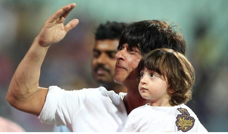 Son AbRam applauds his dad Shah Rukh Khan's performance in 'Dilwale'
