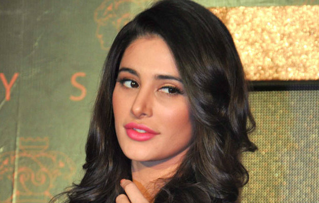 Nargis Fakhri reveals she left in the interval while watching 'Housefull'