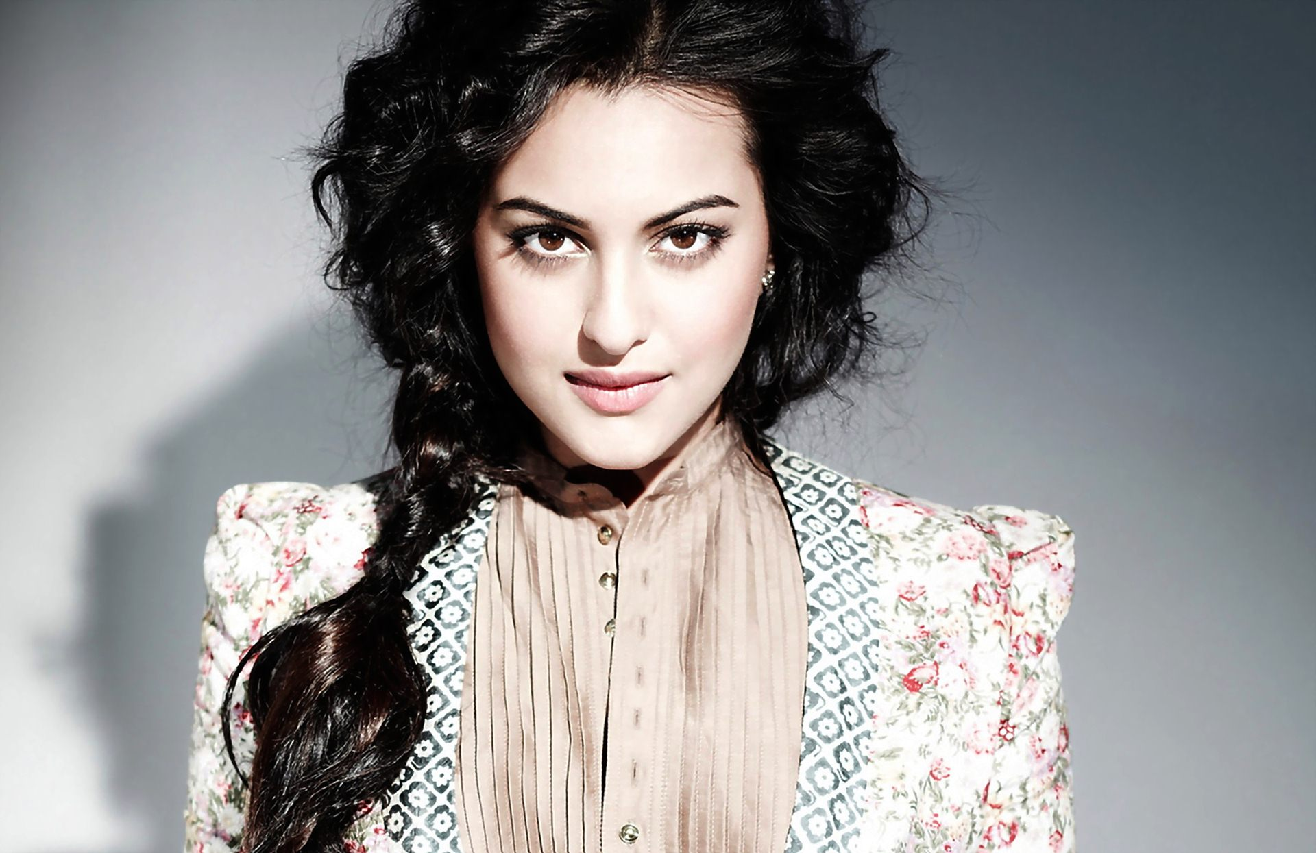 Sonakshi Sinha to be the Chameli in 'Chameli Ki Shaadi Remake?'