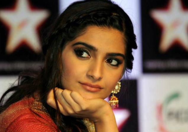 Image result for SONAM KAPOOR CRYING