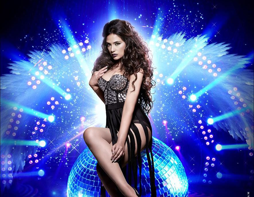 Check out! Here comes the teaser trailer of 'Cabaret' and its sensational and sensuous