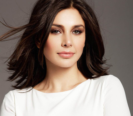 Lisa Ray: What makes her the epitome of beauty